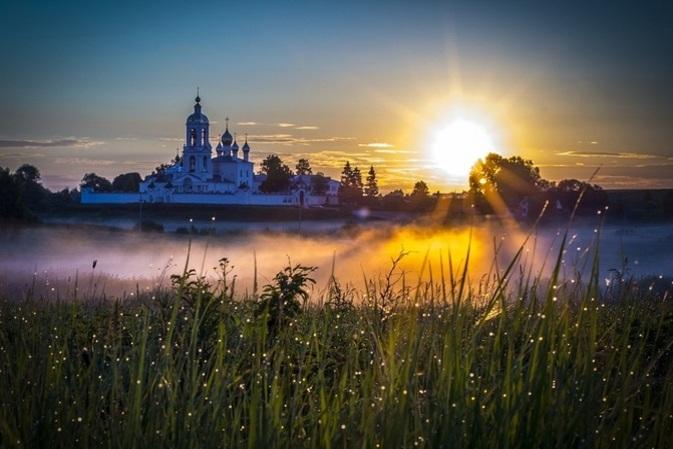 монастырь Животворящего Креста, погост Крест